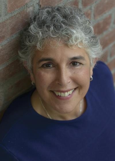Diane Ponzio Brings Her Entertaining New York Charm And Energy