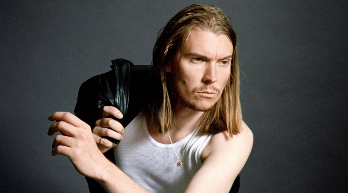 Interview: Alex Cameron Talks Style And Substance