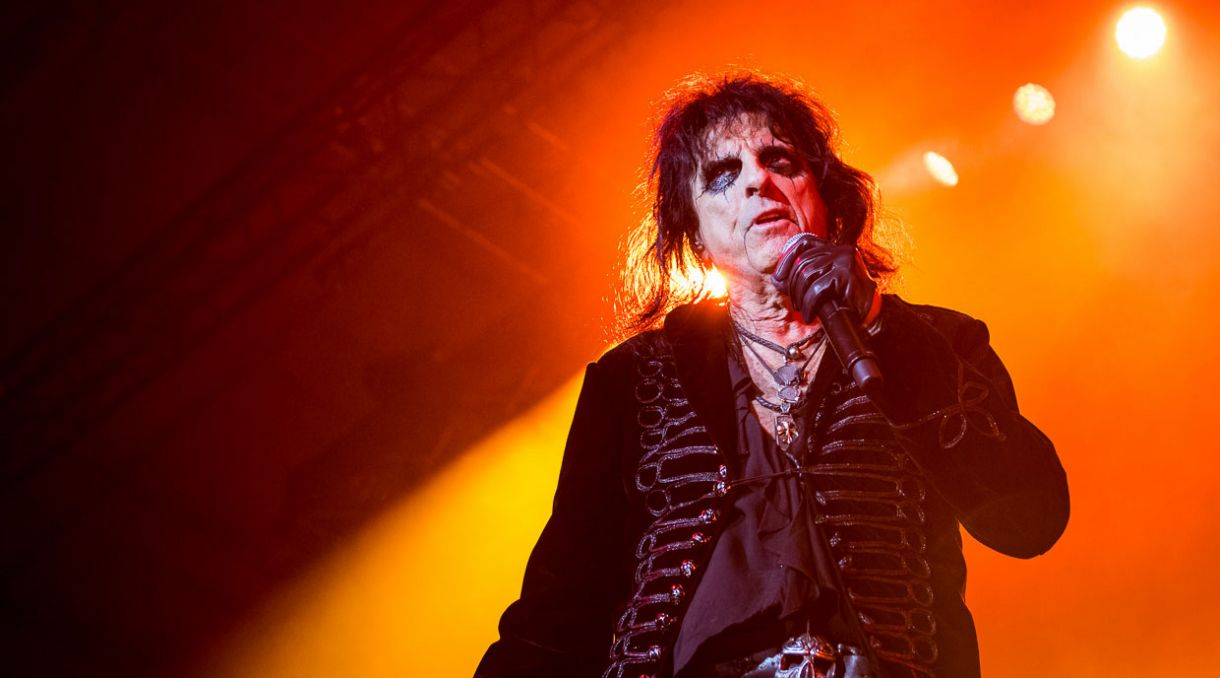 Live Review: Alice Cooper - Trusts Arena, Auckland (+ Photos)