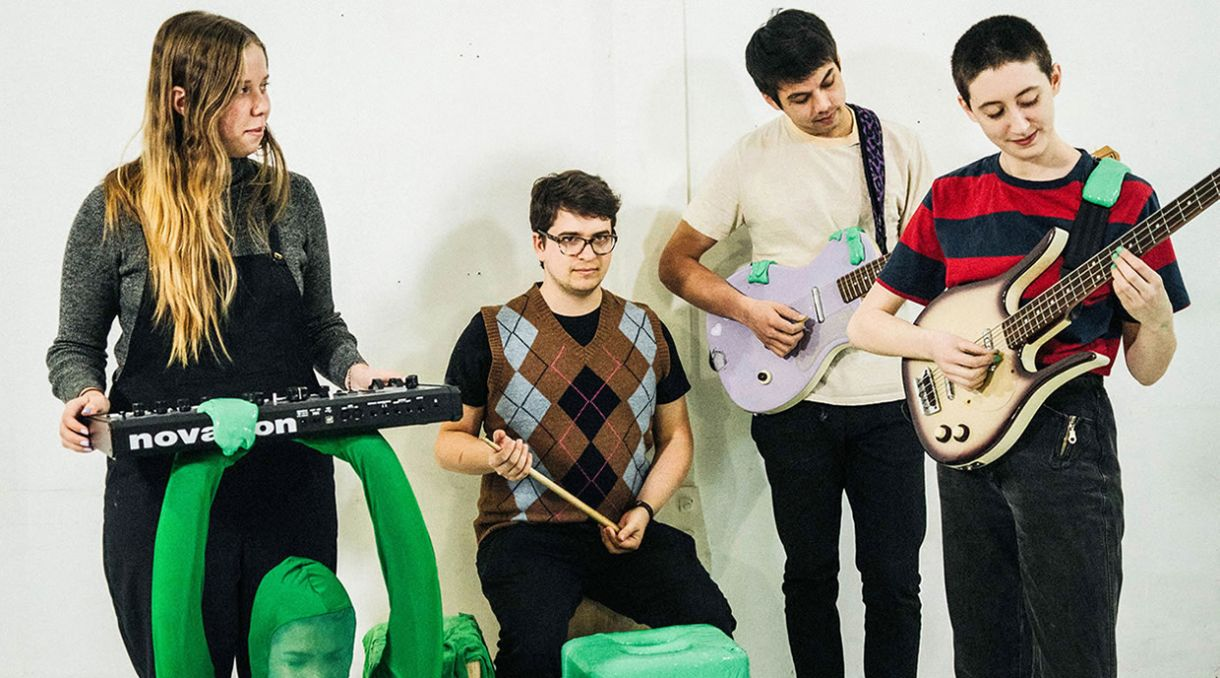 Frankie Cosmos Share Two Songs 'Dancing' + 'Tunnel'