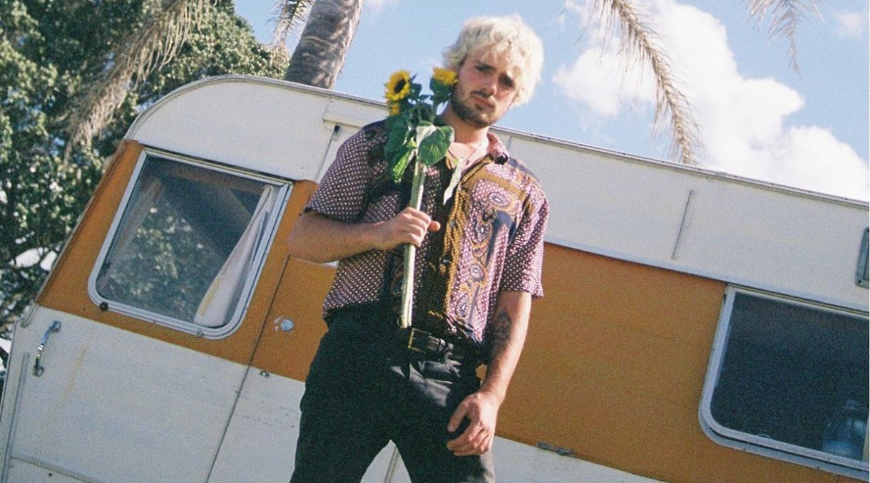 Harry Parsons Unveils Nostalgic Video 'Friends'