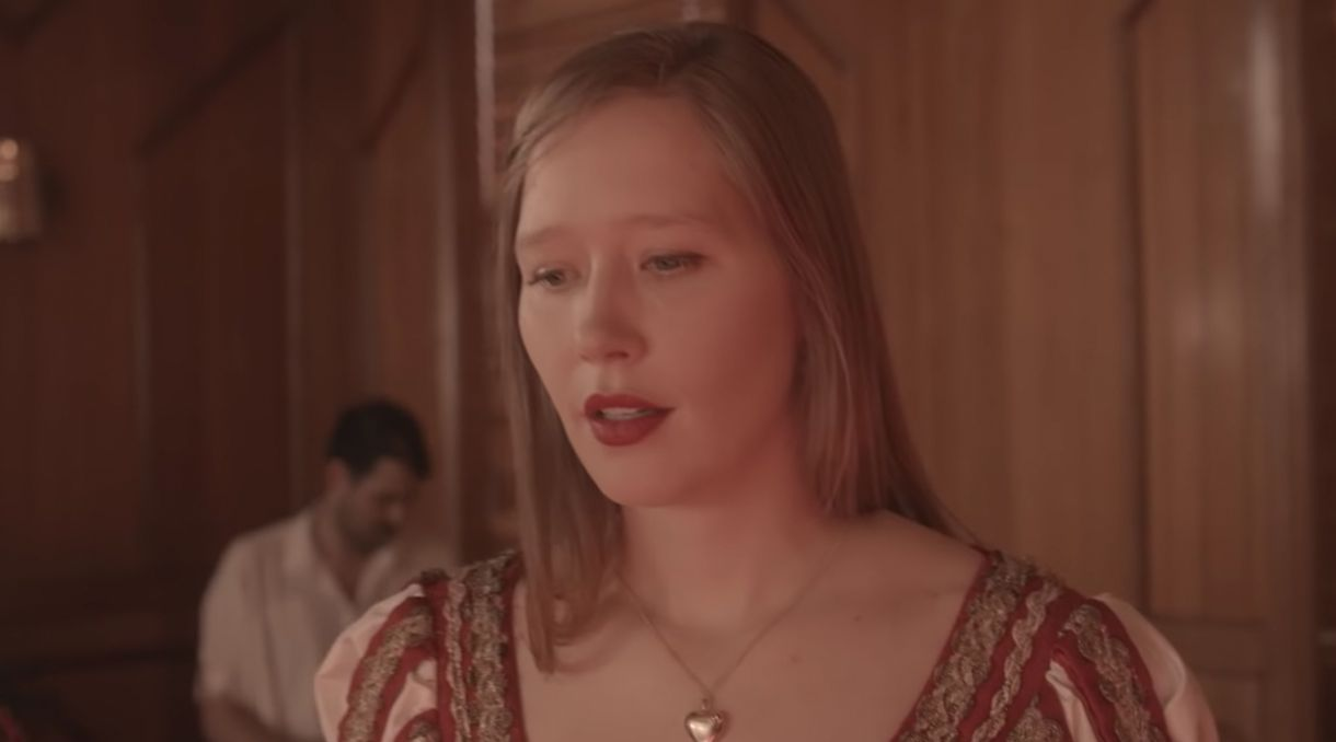 Julia Jacklin Unveils Video For 'Don't Know How To Keep Loving You'