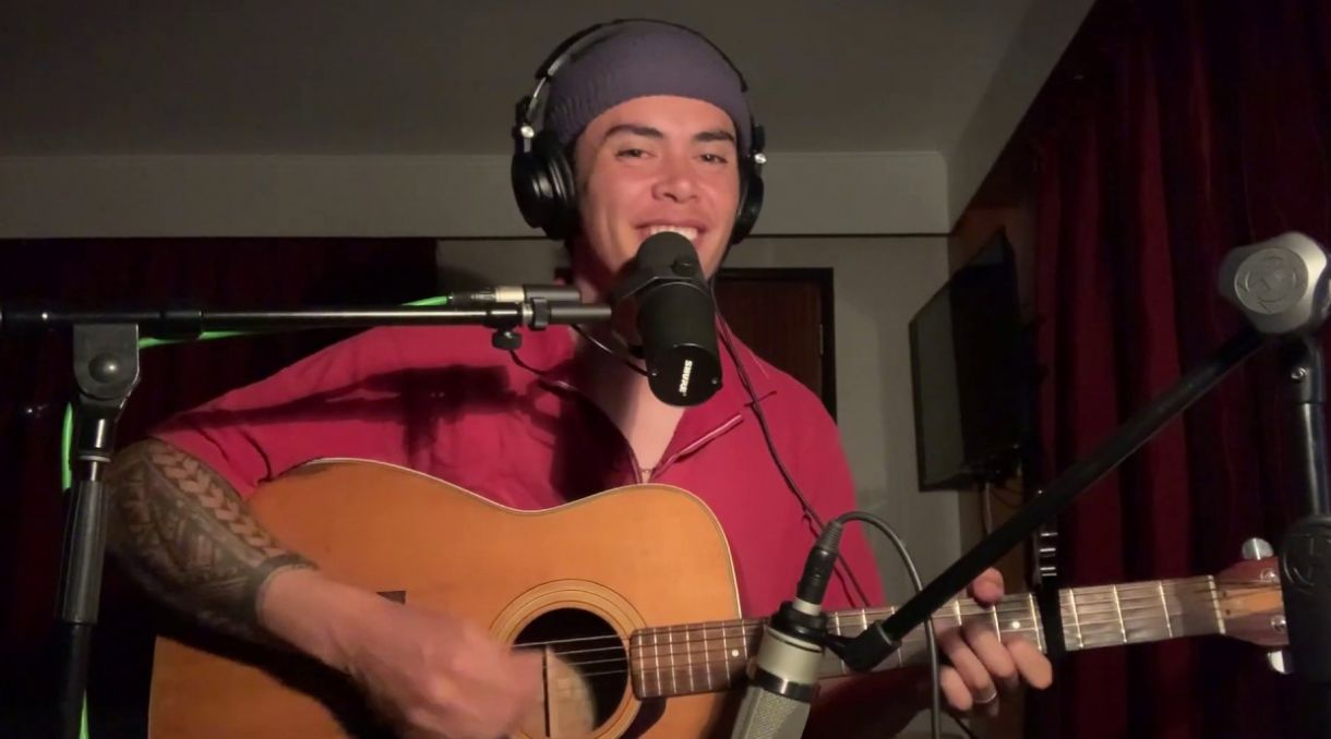Marley Sola Covers Che Fu's 'Misty Frequencies' For NZ Music Month