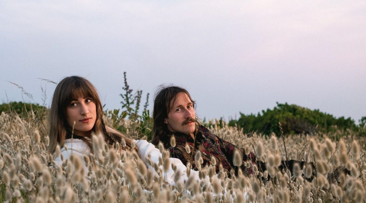 O & The Mo Share Dreamy Debut Album 'In Transit'
