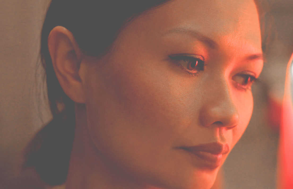 We've fallen a little bit in love with Bic Runga's new single 'Close Your Eyes', so when offered the opportunity to premiere the accompanying video we grabbed it tight with both hands. The homemade clip focuses mainly on the musician while she works... <span class='readMoreLink'><a href='/news/11753/Video-Bic-Runga---Close-Your-Eyes-UTR-Premiere.utr'>&mdash;more</a></span>