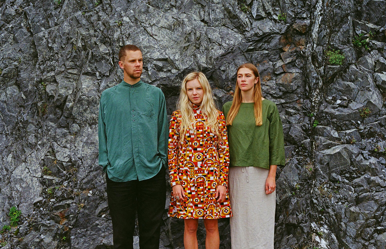 Earlier this month Wellington three-piece Mermaidens rolled out their eagerly-anticipated sophomore album Perfect Body as a stellar follow-up to their 2016 debut Undergrowth. The 10-track record sees the trio (which is comprised of  Lily West,... <span class='readMoreLink'><a href='/news/13056/Heres-Five-Mermaidens-Share-Songs-That-Helped-Shape-Perfect-Body.utr'>&mdash;more</a></span>