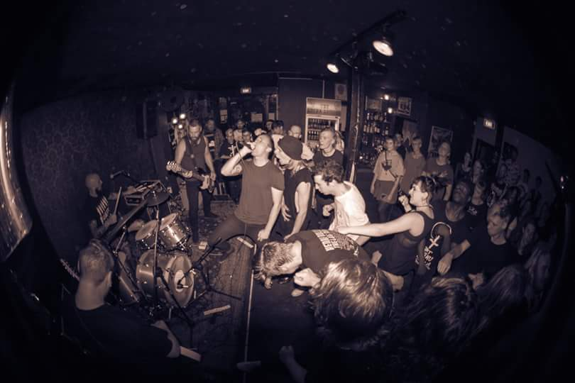 Local hardcore punk mainstays Parents have unleashed their new EP Great Reward. The nine-song offering follows in the footsteps of their 2014 release Low Life, and was recorded by Tim Shann at The Wine Cellar before being sent to Jack Shirley at San... <span class='readMoreLink'><a href='/news/10763/Stream-Parents-New-EP-Great-Reward.utr'>&mdash;more</a></span>