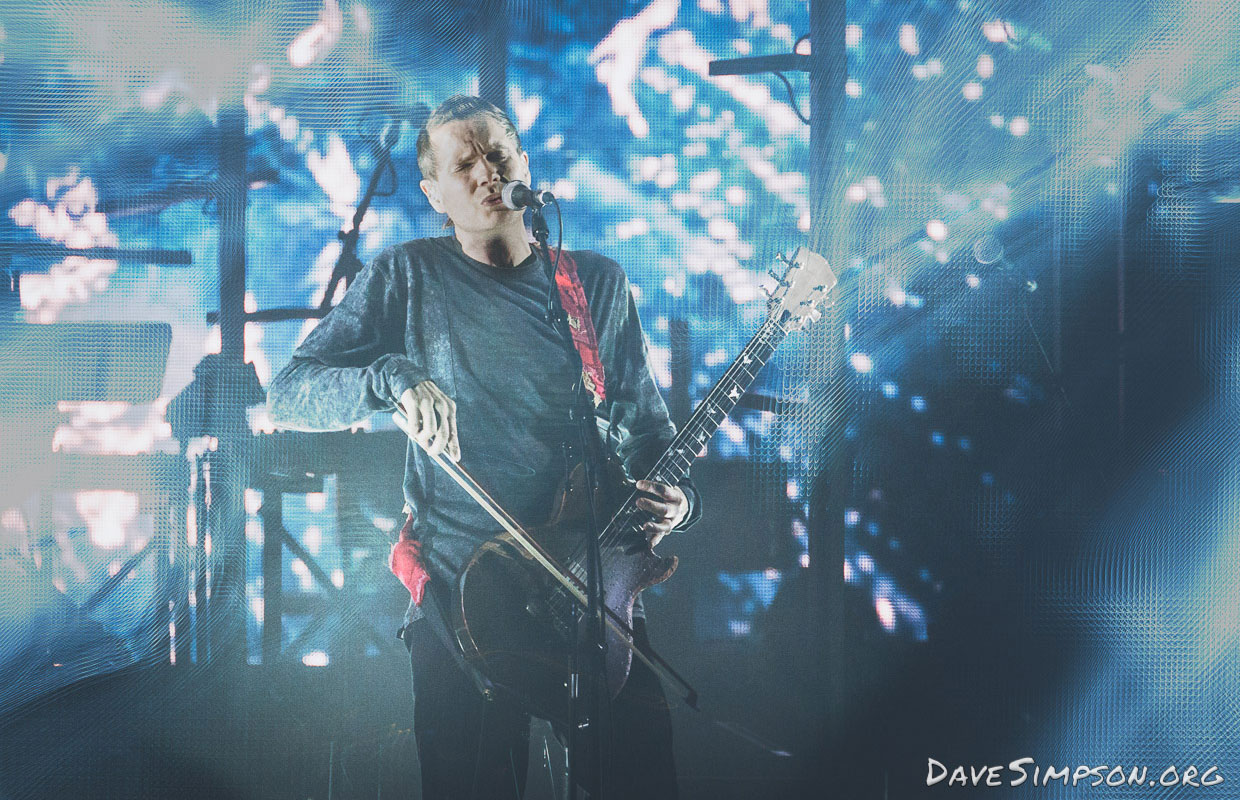 Icelandic post-rockers Sigur Ros wowed audiences at Spark Arena on Friday evening with their rock solid performance and lavish light show. The three-piece were enthusiastically welcomed back to our fair isle after more than a decade since their last... <span class='readMoreLink'><a href='/news/12947/Live-Review-Sigur-Ros---Spark-Arena-Auckland--Photos.utr'>&mdash;more</a></span>