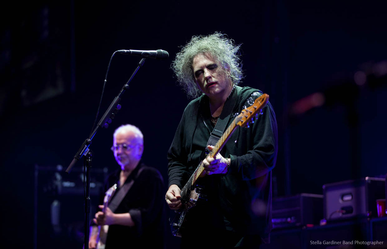 After nine years since their last visit to these shores, The Cure stopped by for one epic show at a full-to-the-brim Vector Arena last night. Robert Smith and co delivered a set jammed-packed with fan favourites, and played not one or two but FOUR... <span class='readMoreLink'><a href='/news/11416/Live-Photos-The-Cure---Vector-Arena-Auckland.utr'>&mdash;more</a></span>