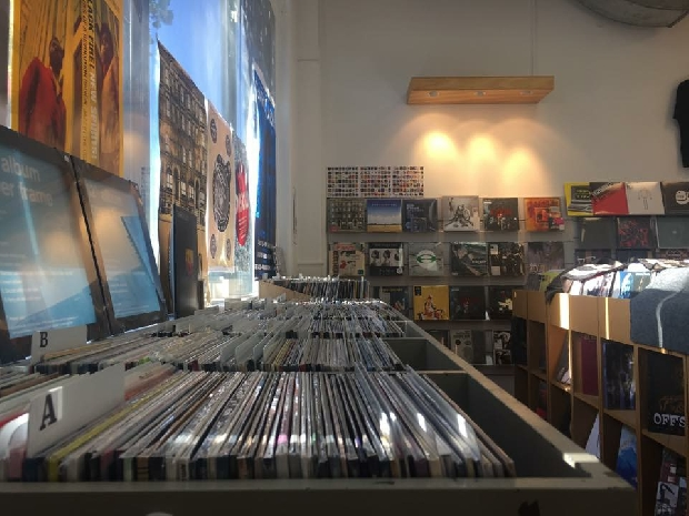 Record Store Day At Southbound Records With SJD and Don McGlashan