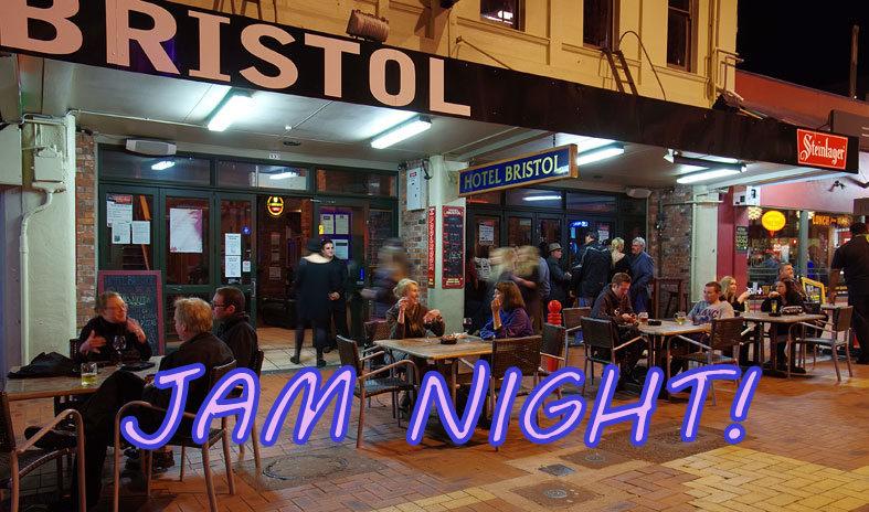 Roomfulla Blues Jam Night - MC Peter Bosman
