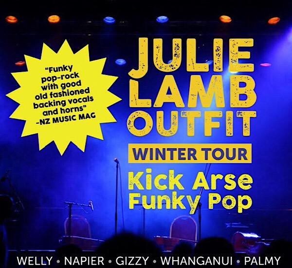 Julie Lamb - Outfit Winter Tour