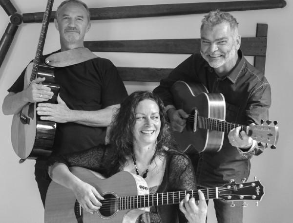 The Kita Guitar Trio